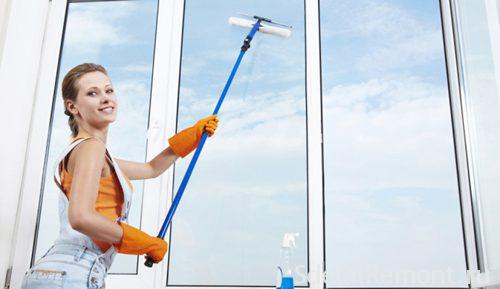 Wash plastic windows in the home